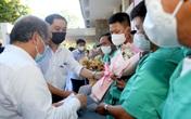 Xúc động hình ảnh y, bác sỹ Bệnh viện TW Huế tình nguyện lên đường hỗ trợ Bắc Giang chống dịch COVID-19