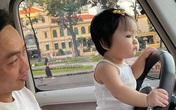 """Hình ảnh Cường Đô La ngồi """"bất lực"""" nhìn con gái hóng hớt chuyện ngoài đường khiến ai cũng bật cười"""
