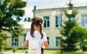 Không phải trường điểm hay trường xịn, TRƯỜNG GẦN NHÀ mới là điều bố mẹ nên cân nhắc khi chọn trường cấp 1 cho con