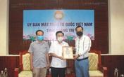 Đoàn từ thiện của Nghệ sĩ Hoài Linh và các nhà hảo tâm trao tiền hỗ trợ người dân Quảng Trị, Thừa Thiên Huế