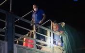 Quảng Ninh: Phát hiện gần 20 người trốn trong xe tải chở lợn để qua chốt kiểm soát