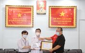 HLV Kiatisak trích tiền đấu giá áo ủng hộ công tác phòng chống dịch COVID-19