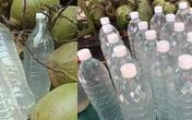 Nước dừa chỉ từ 35.000 đồng/lít bán đầy chợ mạng, nổ đơn 'ầm ầm' mùa nắng nóng