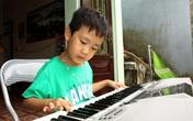 """Bé trai 5 tuổi ở Hải Dương """"biết nhiều thứ"""" và mong ước của người mẹ đơn thân"""