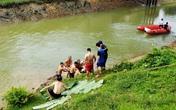 Xuyên đêm mò tìm nam sinh 17 tuổi trên sông