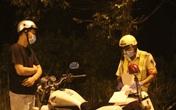 CSGT tuần tra xử lý người vi phạm Chỉ thị 16 trong đêm