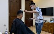 Hà Nội siết chặt hoạt động không thiết yếu, dịch vụ cắt tóc tại nhà bội thu