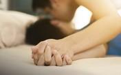 Đang cùng chồng 'nhập cuộc' cuồng nhiệt, cô vợ trẻ bỗng bị quát 'dừng lại' và lý do không ngờ được tiết lộ vào sáng hôm sau