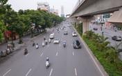Hình ảnh khác lạ trên những tuyến đường nóng về ùn tắc giao thông của Hà Nội trong giờ cao điểm ngày đầu tuần
