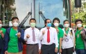 """Sinh viên Trường Đại học Y khoa Phạm Ngọc Thạch xung phong tham gia """"Taxi chuyển bệnh"""" và """"Tổng đài viên"""""""