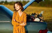 4 tips mặc đẹp tôn dáng từ cô nàng người Nga cao 1m50: Chỉ cần vài món chủ chốt là đủ cân hết các style