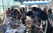 Người dân Sài Gòn đổ xô đi làm giấy xét nghiệm COVID-19