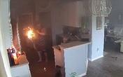 Bé gái phát hiện lửa bốc lên trong bếp liền có hành động cứu mạng cả nhà, câu nói trong cơn hoảng loạn của đứa trẻ gây chú ý