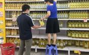 """Hà Nội: Người dân """"đi chợ 1 lần trong tuần"""" để hạn chế việc ra ngoài"""