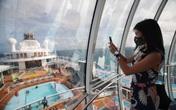 Người giàu Singapore vung tiền cho các chuyến du ngoạn không cập bến