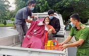 Công an lái xe chuyên dụng đưa 2 phụ nữ đau tim, ngất xỉu đi cấp cứu