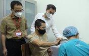 100 người ở Hà Nội chính thức tiêm thử nghiệm vaccine COVID-19 thứ 3 ở Việt Nam