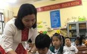 Trẻ lớp 1 chưa biết đọc biết viết, sao học trực tuyến?