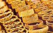 Thị trường chứng khoán lao dốc khiến giá vàng tiếp tục bật tăng