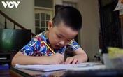 Học sinh lớp 1 và 2 thi trực tuyến liệu có thực sự cần thiết?