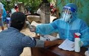 TP.HCM: Xe lưu động tiêm vaccine cho người dân trong khu vực phong tỏa