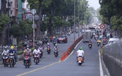 Đường phố Sài Gòn tấp nập người, xe đổ về các siêu thị mua hàng