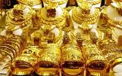 Giá vàng trong nước giữ ở mức cao, vượt xa so với thế giới