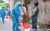 Những gói quà ấm tình người tiếp sức cho các bệnh nhân xóm trọ viện K - Tân Triều