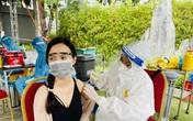 Người dân phấn khởi đi tiêm vaccine COVID-19 ở công viên đẹp và sang chảnh nhất Sài Gòn