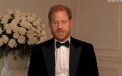"""Người hâm mộ cực kỳ lo lắng trước hình ảnh """"bất thường"""" của Hoàng tử Harry"""