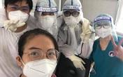 Cảm động những tình nguyện viên F0 ở lại 'chung một chiến hào' cùng y bác sĩ