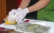 Tài xế taxi nhận 12 triệu đồng để mua giúp 4 bánh heroin