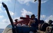 Giờ học online đặc biệt của nam sinh lớp 12 từ biển khơi