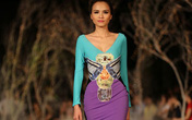 Hoa hậu Thùy Dung, Diễm Hương quyến rũ trong trang phục màu sắc