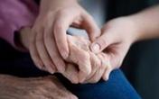 Tư vấn trực tuyến về bệnh run chân tay