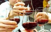 """Rượu """"biến thành"""" ung thư như thế nào?"""