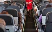 """Khách nam """"giải quyết nỗi buồn"""" vào khách nữ trên máy bay"""