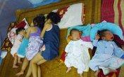 Nghẹn lòng 5 bé bị bỏ rơi khi còn cuống rốn nơi cổng chùa