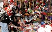 TPHCM: Hiu hắt đồ Giáng sinh