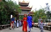 Hà Nội: Kết hôn tập thể theo nghi thức Phật giáo cho 14 đôi tân duyên