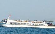 Tàu cao tốc trôi tự do trên biển, hành khách hoảng loạn