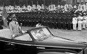 Chiếc xe chở Đại Tướng Võ Nguyên Giáp tại lễ duyệt binh 2/9/1975