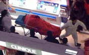 Nhảy lầu tự tử vì phải hộ tống bạn gái đi mua sắm