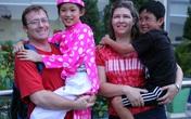 Xúc động cô bé 10 tuổi về Việt Nam tìm mẹ
