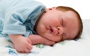 Hãy lo lắng nếu bé ngủ quá say!