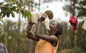 """""""Tròn mắt"""" học mẹ Kenya nuôi con"""