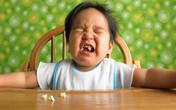 8 vấn đề khiến mẹ đau đầu khi cho bé ăn