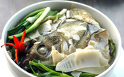 Dân dã canh măng chua nấu cá