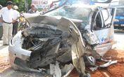 Tai nạn kinh hoàng, tài xế tử vong, 3 mẹ con kêu cứu trong xe