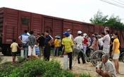 Kinh hoàng ông lão 83 tuổi bị tàu hỏa kéo lê trên đường ray gần 20m